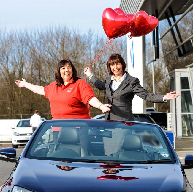 Sue Green (left) of the British Heart Foundation with Kirsty Moon of JCT600