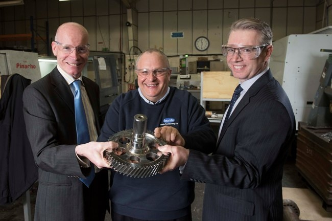 Graham Cairns - YB,  Steve Leach - Bronte, Andy Davidson - YB with machine cut component